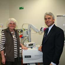 Professor Peter Gibson and Sue, who has participated in asthma studies.